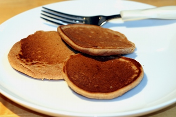 The best, easiest, most delicious vegan pancakes.