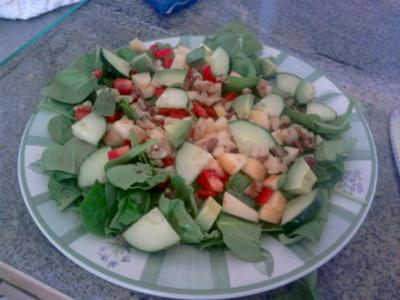 One of our readers submitted a nice raw spinach salad with avocado.