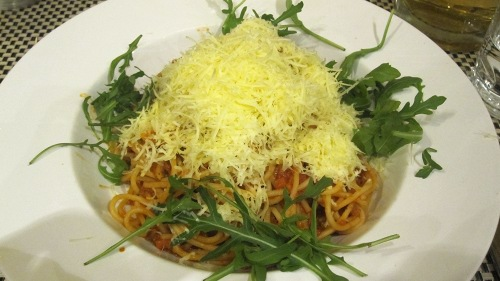 They also serve more international dishes at Napfenyes Etterem, like this spaghetti bolognese.